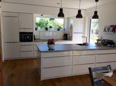 Unsere neue Küche ist fertig. Der Hersteller ist: Nobilia - - Stilrichtung: Moderne Küchen - Datum der Fertigstellung: Januar 2016