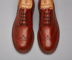 Anne Brogue Shoe - Tricker's handmade ladies brogue Derby shoe with bellows tongue and storm welt in Marron Antique, with leather uppers and double leather stitched sole. STYLE NO. L5679 LAST 6230