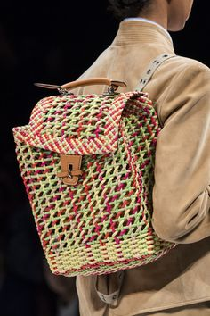 Ermanno Scervino at Milan Fashion Week Spring 2020 - Details Runway Photos La Fashion Week, Spring Fashion, Milan Fashion, Fashion 2020, Plaid Fashion, Fashion Bags, Stylish Handbags, Ermanno Scervino, Knitted Bags