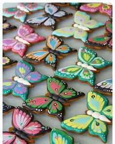 Все бабочки здесь #бабочкиМР #royalicingcookies #gingerbread #decoratedcookies #cookiedecoration #sugarart #пряник #пряники #имбирноепеченье #имбирныепряники #пряникалматы #пряникиалматы #customcookies