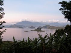 virunga mountains | The Virunga Mountains are a chain of volcanic mountains found along ...