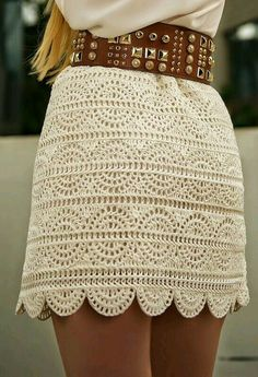 Casual Lace Skirt worn with a Wide Belt