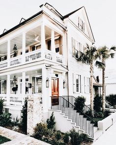coastal home // home design // architecture // dream house // white exterior Houses Architecture, Architecture Design, Exterior Design, Interior And Exterior, Wall Exterior, Mansion Homes, Pavillion, Cute House, Dream House Exterior