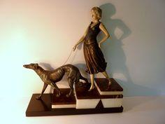 Importante Statuette ART Deco Sign Carvin Régule Femme AU Lévrier Barsoï