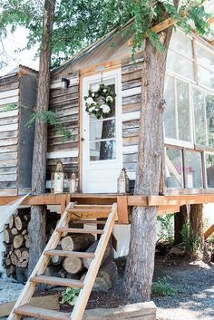 She shed craft retreat - The House That Lars Built. read article on how this tiny shed has become a haven for makers and movers Tiny House, Up House, Outdoor Spaces, Outdoor Living, Art Shed, Shed Decor, Glamping, Backyard Sheds, Outdoor Sheds
