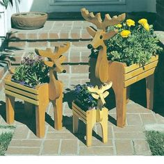 Buy Woodworking Project Paper Plan to Build Reindeer Planters, Plan No. 745 at Woodcraft.com