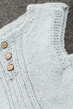 Strik en fin bluse til børnehaven Crochet For Kids, Knit Crochet, Baby Barn, Baby Vest, Baby Knitting Patterns, Ravelry, Children, Sweaters, Design