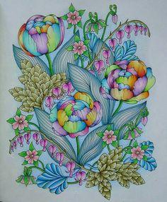 "726 mentions J'aime, 9 commentaires - Arte Como Terapia (@artecomoterapia) sur Instagram : ""Flores multicoloridas!!! @Regrann from @renatagclementino - #blomstermandala #mariatrolle…"""