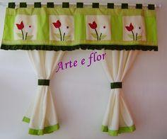 cortina com aplicação de tulipas tecido de ótima qualidade pode ser feita em outras cores e tamanhos tb podendo optar só pelo bandô R$140,00