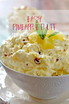dessert recipes With only a few ingredients, this light and creamy Easy Pineapple Fluff comes together in just a few minutes and is the perfect dessert for spring! Fluff Desserts, Brownie Desserts, Oreo Dessert, Mini Desserts, Coconut Dessert, Dessert Salads, Easy Desserts, Fruit Appetizers, Dessert For Bbq