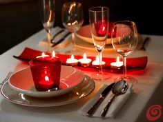 dinner for two table setting: 11 thousand images ужин на двоих сервировка стола: 11 тыс изобра… dinner for two table setting: 11 thousand images found in Yandex. Romantic Room Decoration, Decoration Bedroom, Romantic Dinner Setting, Romantic Dinners, Romantic Ideas, Valentines Day Dinner, Valentines Day Decorations, Comment Dresser Une Table, Dining Room Table Decor