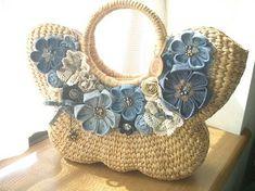 かごバッグButterfly1 Hessian Bags, Jute Bags, Flower Bag, Diy Handbag, Art Bag, Craft Bags, Bag Patterns To Sew, Denim Bag, Knitted Bags