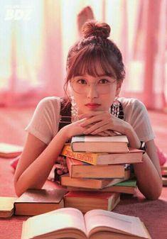 — myoui mina of twice, maknae of the japanese line. Nayeon, Kpop Girl Groups, Korean Girl Groups, Kpop Girls, Twice Chaeyoung, Twice Group, Twice Fanart, Sana Momo, Sana Minatozaki