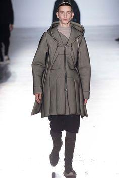 Rick Owens Fall 2015 Menswear Fashion Show