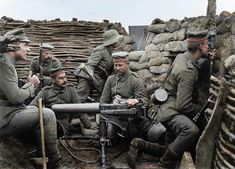 Six German soldiers pose in a in trench with machine gun, a mere 40 meters from the British line, according to the caption provided. The machine gun appears to be a Maschinengewehr or MG capable of firing rounds a minute. Triple Entente, Wilhelm Ii, Kaiser Wilhelm, History Online, World History, Ww1 History, Colorized History, World War One, First World