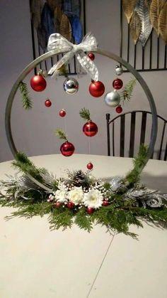 Christmas Ornament Crafts, Christmas Art, Christmas Projects, Simple Christmas, Christmas Wreaths, Christmas Crafts, Christmas Ideas, Christmas Arrangements, Christmas Table Decorations