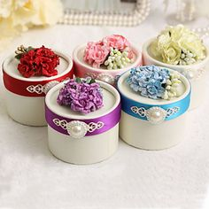Round Favor Boxes With Flower And Pearl - Set of 12 (More Colors) – USD $ 18.49