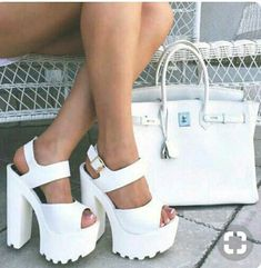 Discover and share the most beautiful images from around the world - Shoes, i like - Zapatos Orange Heeled Sandals, Heeled Boots, Shoe Boots, Shoes Heels, Cute Shoes, Me Too Shoes, Frauen In High Heels, Aesthetic Shoes, Platform High Heels