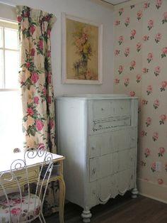 Sewing room 1940s wallpaper not fun to hang freebie furniture