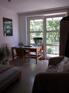 Da ich aufgrund meines Master-Studiums ausziehe, biete ich euch hier mein 12qm-Zimmer an. Es hat einen direkten Zugang zum Balkon und ist...