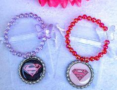 Un favorito personal de mi tienda Etsy https://www.etsy.com/es/listing/457903136/10-piezas-multicolor-supergirl-pulseras