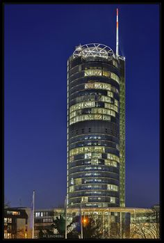 RWE- Turm, Essen von Martin Lindberg