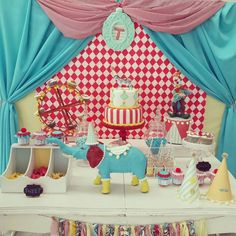 Cute table for a birthday party!
