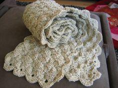 catherine's diamond/circle crochet scarf