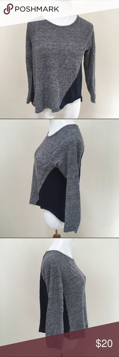 """Madewell Navy Gray Curveball Color-block Tee M Madewell Navy Gray Curveball Color-block Raglan 100% Linen Tee Medium. Good condition. Clean and comes from smoke free home. Questions welcomed! Armpit to armpit: 18.5"""" across Length: 22.5"""" Madewell Tops Tees - Long Sleeve"""