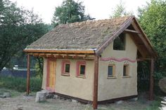 straw house/clay plaster