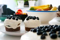 ivy.li   Food   Rezept   Möhrchen-Pecan-Kuchen mit Limettenfrischkäse und Blaubeeren