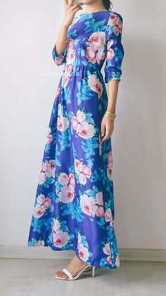 Dazzling Floral Print Pleated Maxi Dress# dazzling floral pattern# O neck# Three quarter sleeves# Pleated waist# floral print maxi dress
