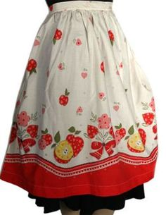 Pretty vintage apron. It's very hard to pass up a pretty apron, but I don't think I can justify owning more than three....?