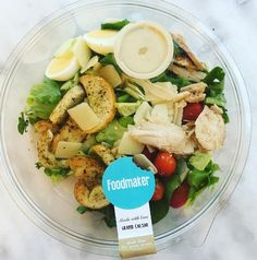 Hmmm...A fresh healthy bowl 'Grand Ceasar'can't wait for lunch #thefoodmaker #ceasarsalad #salad #saladfarm #healthyfood #lunch #lunchtime #sun #takeaway #foodlovers #foodporn #brussels #antwerp #vilvoorde #eatme #madewithlove #greatfoodforgreatpeople