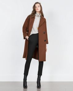 Discover the new ZARA collection online. The latest trends for Woman, Man, Kids and next season's ad campaigns. New Outfits, Fall Outfits, Casual Outfits, Zara Looks, Double Breasted Coat, Outerwear Women, Zara Women, Minimalist Fashion, Coats For Women