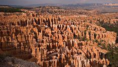 Creusés par l'érosion du sol, les canyons comptent parmi les plus belles formations géologiques de la nature. De la France aux Etats-Unis en passant par la Chine, SooCurious vous en présente 12 absolument vertigineux.  Les gorges du Verdon ...