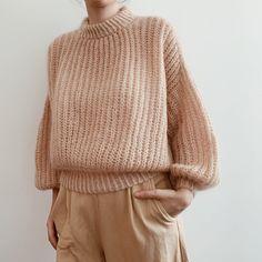 Ravelry: Tove sweater pattern by Gregoria Fibers Sweater Knitting Patterns, Knit Patterns, Oversize Pullover, Damen Sweatshirts, Ribbed Sweater, Winter Sweaters, Women's Sweaters, Cardigans For Women, Knitwear