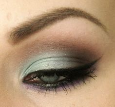 LOVE THIS, BEACH COLORS, Cat Eye Makeup - Seafoam green and Brown on lid - I Would minus Purple on lower lash line