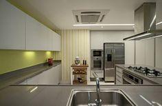 The LRF Apartment by Paula Martins Arquitetura 18