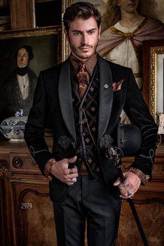 Aristocratic black velvet luxury tuxedo blazer with black trousers - Ottavio Nuccio Gala Steampunk Men, Steampunk Wedding, Steampunk Fashion Men, Gothic Wedding, Moda Fashion, Suit Fashion, Fashion Boots, Fashion Dresses, Vintage Clothing