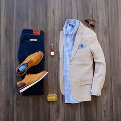 visit our website for the latest men's fashion trends products and tips . Big Men Fashion, Latest Mens Fashion, Men's Fashion Tips, Fashion Trends, Smart Casual Men, Stylish Men, Casual Chic, Mens Fashion Sweaters, Sweater Fashion