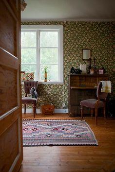 vintagehome:  (via HOME AND GARDEN: Ambiance rétro-bohème en Suède)