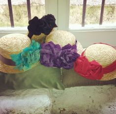 Canotiers by Rita Von Diy Hat, Wedding Styles, Fashion Beauty, Throw Pillows, My Style, Hats, Avatar, Diy Ideas, Vintage