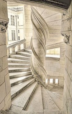 nature-and-culture: Stairs of the Chateau de Chambord / France. (Pink glasses) - Nature-and-culture: Stairs of the Chateau de Chambord / France. Beautiful Buildings, Beautiful Places, Beautiful Stairs, Architecture Cool, Belle France, Stairway To Heaven, Abandoned Places, Stairways, Interior And Exterior