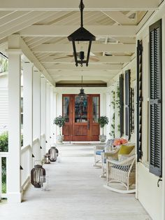 Classic lowcountry covered walkway to main house Coastal Cottage Entryway Front Facade Porch by J Banks Design Coastal Farmhouse, Coastal Cottage, Coastal Living, Coastal Decor, Modern Coastal, Coastal Style, Modern Farmhouse, Cottage Entryway, Coastal Entryway