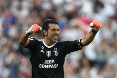 @Juventus Gianluigi #Buffon #SerieA #JuveCagliari #ForzaJuve #FinoAllaFine #Mandzukic #Dybala #Higuain #Juventus #9ine