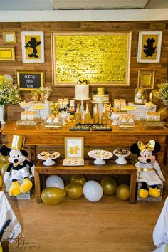 Mickey Mouse New Year´s party! See more party planning ideas at CatchMyParty.com!