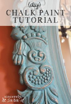 DIY chalk paint tutorial - an awesome mirror makeover using chalk paint. I love this idea and I love using chalk paint for crafts Chalk Paint Mirror, Using Chalk Paint, Chalk Paint Projects, Mirror Painting, Chalk Paint Furniture, Diy Painting, Diy Projects, Painted Mirrors, Distressing Chalk Paint