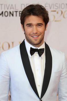 Josh Bowman-Revenge!! Josh Bowman, Pretty Men, Gorgeous Men, Beautiful, Gay, Hollywood Men, Dapper Gentleman, Handsome Faces, Famous Men