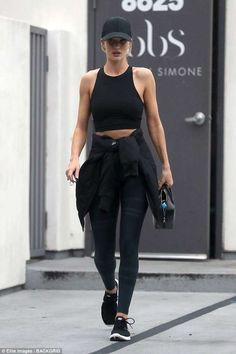 Gym bunny: Rosie Huntington-Whiteley was attempting to fly under the radar when she left the Body By Simone gym in West Hollywood, rocking a sombre workout look Outfits With Hats, Sporty Outfits, Summer Outfits, Gym Outfits, Fitness Outfits, Fitness Clothing, Stylish Outfits, Jeans And Sneakers, Shoes With Jeans